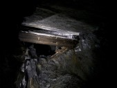 D floor bridge: D floor old vein 'floating' bridge.